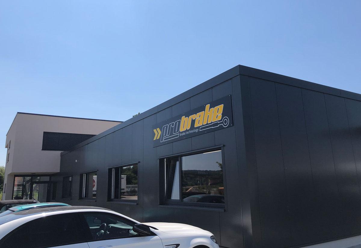 probrake Firmengebäude von Außen